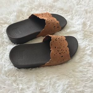 1397dfa443976 Fitflop Shoes - Fitflop Beige Flora Slide Sandals Size 6
